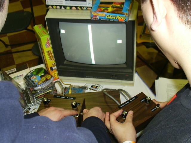 """""""the Brown box""""(primer consola primitiva)inicia la primera generacion"""