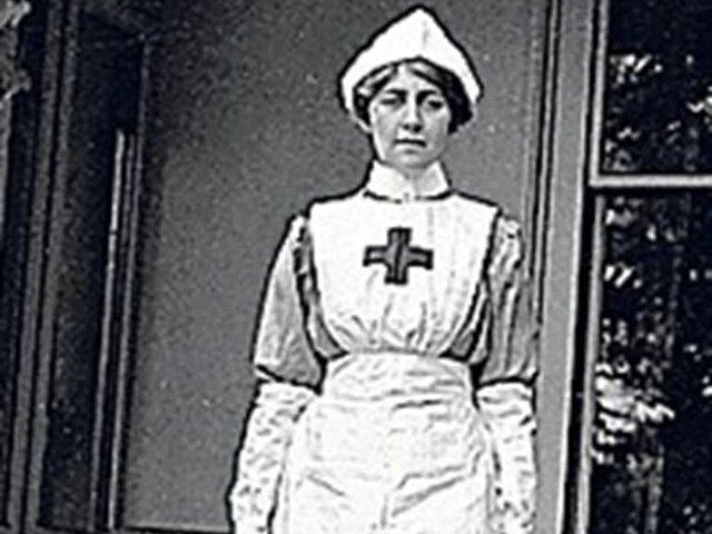 Agatha Christie durante la primera guerra mundial trabajo de enfermera