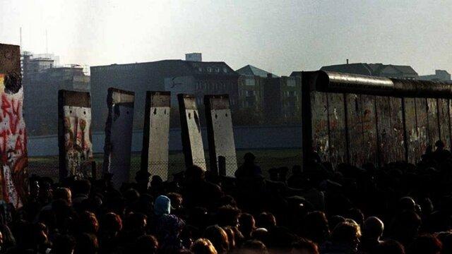 Berlinermuren ble revet