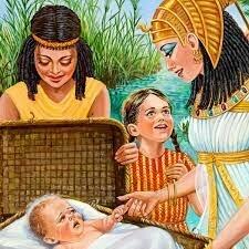 Moises un hebreo, llega a las manos de la faraona y es cuidado como un hijo en vez de matarlo