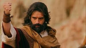 Moisés se entera de que es un hebreo hebreo y se escapa de Egipto