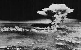 EXPLOSIO DE LES PRIMERES BOMBES ATOMIQUES A HIROSOSHIMA Y NAGASKI