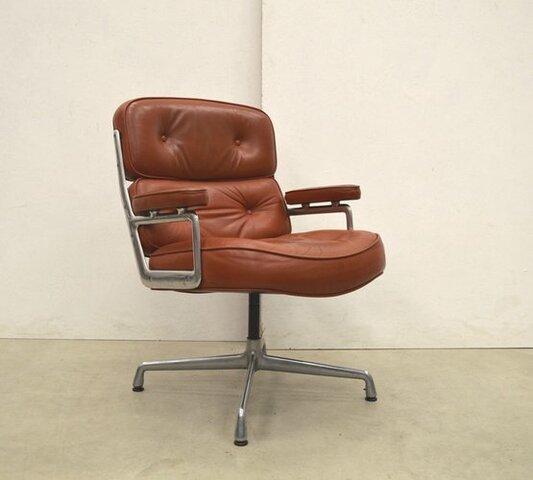 Herman Miller Furniture Company Knoll International