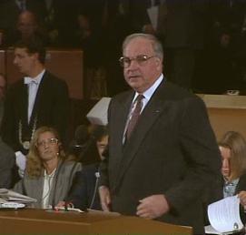 """""""Discorso dei pulcini"""" di Kohl in diretta in tutto lo Zollverein"""