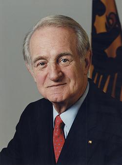 Johannes Rau eletto presidente della Repubblica Federale Tedesca
