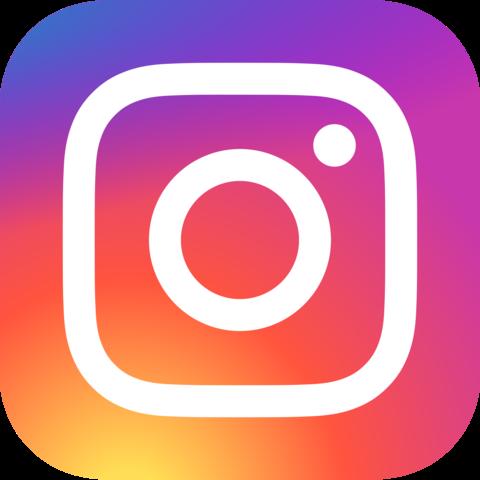 Instagram della Booby