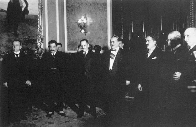 Primeros gobiernos