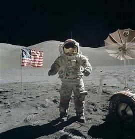 L'home arriba a la lluna