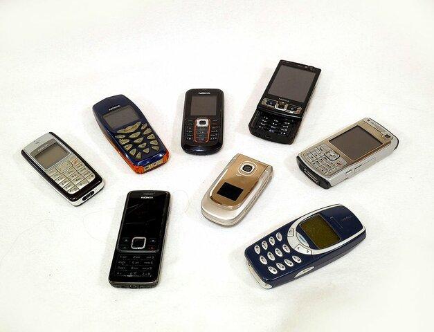 Eclosión de internet y la telefonía móvil