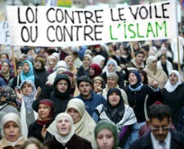 França: Lei de 22 de Julho reforma o Código Penal e criminaliza a discriminação