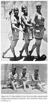 Mujeres portando el nuevo traje de baño moderno