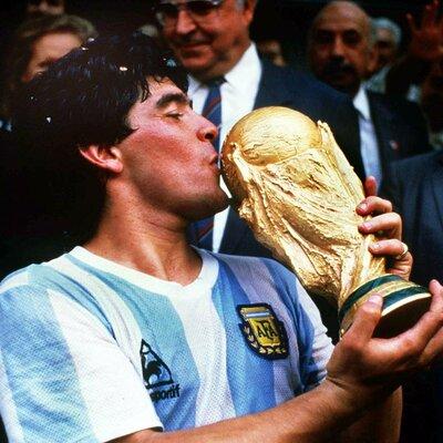 Diego Maradona Biografia timeline