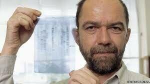 """Segmentos de ADN hipervariables como """"huellas genéticas"""". Alec John Jeffreys (1950)"""