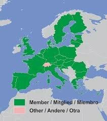 Creación de la Comunidad Económica Europea (CEE) y la Comunidad Europea de la Energía Atómica (Euratom)