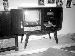 Uso del primer aparato de televisión