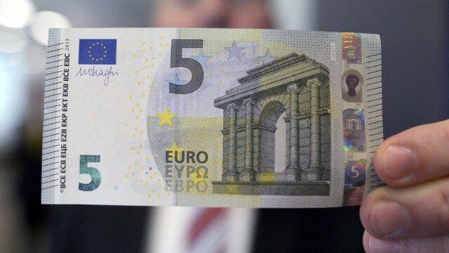 El euro entra en circulación