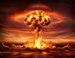 1949 la URSS prueba su primera bomba atómica terminando así con el monopolio nuclear estadounidense ,los comunistas chinos al mandado de Mao Tse-Tung gana en la guerra civil y fundan la República popular de China