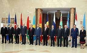 1992-1993 Rusia y el resto de las ex repúblicas soviéticas se convierten en estados independientes