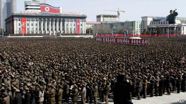 """Corea del Norte entra """"en estado de guerra"""" con Corea del Sur"""