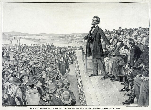 Lincoln gives the Gettysburg Address
