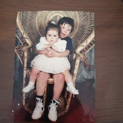 El iniciar mi vida compartiendo con mi hermanito de síndrome de Down timeline