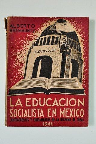 Se establece la Educación Socialista en México