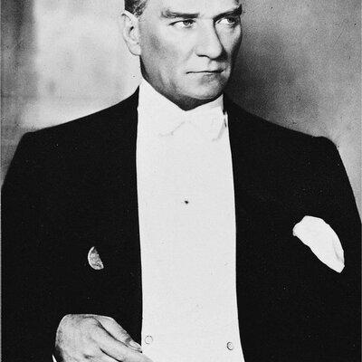 Atatürk' ün Hayatı timeline