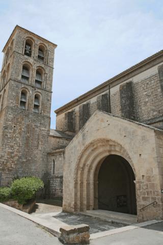 Abadía San Pierre y San Paul de Caunes-Minervois