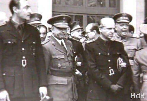 Franco decretó la unificación forzosa de falangistas, carlistas y demás fuerzas de la derecha en lo que llamó Falange Española Tradicionalista y de las Juntas de Ofensiva Nacional Sindicalista.