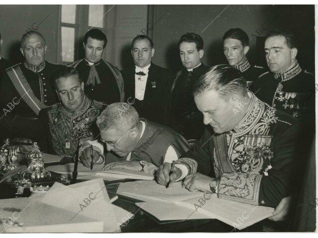 Firma del Concordato con el Vaticano y de los Acuerdos con Estados Unidos.