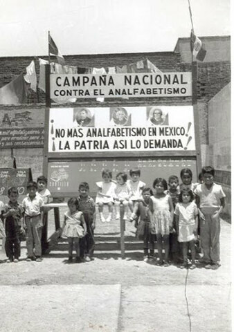 Durante todo el sexenio del Presidente Adolfo López Mateos (1 de diciembre de 1958 a 30 de noviembre de 1964).Su primera actividad consistió en organizar y lanzar la Campaña Contra el Analfabetismo.
