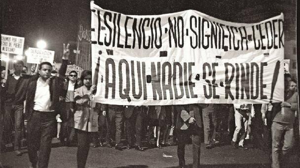 El movimiento social estudiantil de 1968 convierte al sujeto social; transforma a los estudiantes de educación media y superior en voceros de los sectores medios y, con ellos, de toda la sociedad mexicana.