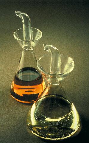 Vinagrera y aceitera de Rafael Markina