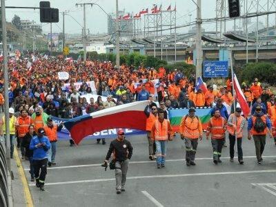Organizaciones de Trabajadores se Movilizan y Convocan a Paro General a Favor del Tercer Retiro