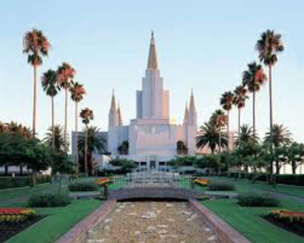 The Phillips Family attends the Oakland Temple for the first time