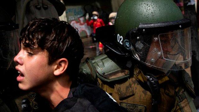 Estudiantes secundarios se movilizan en Chile contra el retorno inseguro a las aulas