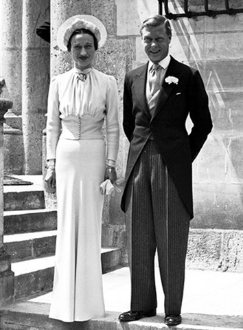 King Edward VIII gives up his crown