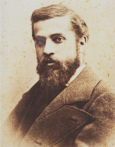 (1852-1926)Gaudí
