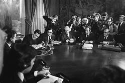 Firma de los Pactos de la Moncloa.