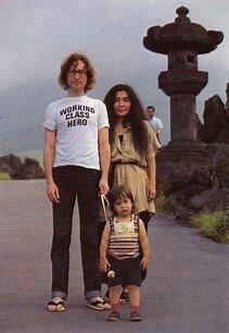 Si riunisce con Yoko e ha un figlio, Sean