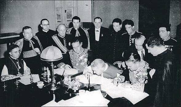 Firma del Concordato con el Vaticano y de los Acuerdos con Estados Unidos