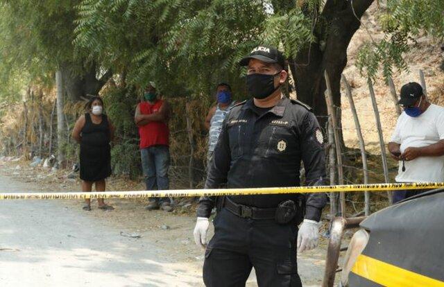 Anuncio de cordón sanitario en la aldea San Agustín Acasaguastlán por caso comunitario de COVID-19