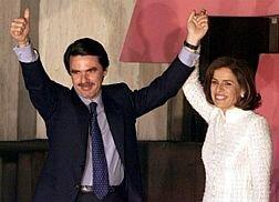 El PP gana las elecciones generales por mayoría absoluta y Aznar se mantiene como presidente del gobierno