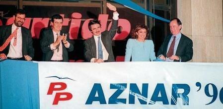 El PP gana las elecciones por mayoría simple y Aznar se convierte en presidente del gobierno