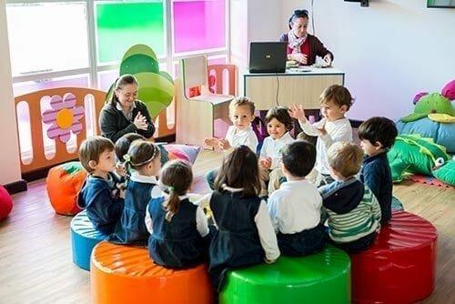 Quand j'ai eu 4 ans, je suis allé dans un jardin d'enfants à Chia