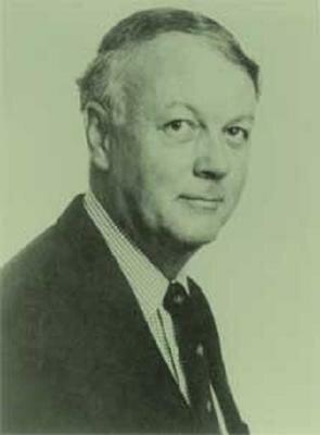 Sociedad internacional: Hedley Bull (Australiano, 1932-1985)