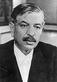 Pierre Laval costretto alle dimissioni in Francia