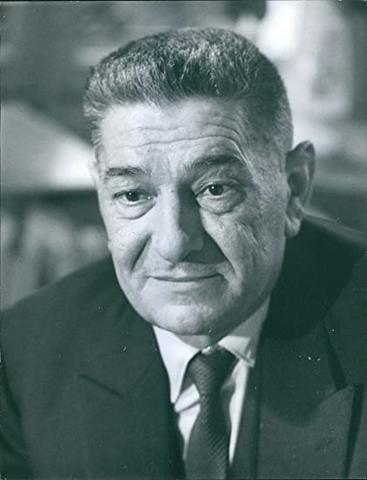Jean-Louis Tixier-Vignancour assume il ruolo di nuovo Presidente dello Stato Francese
