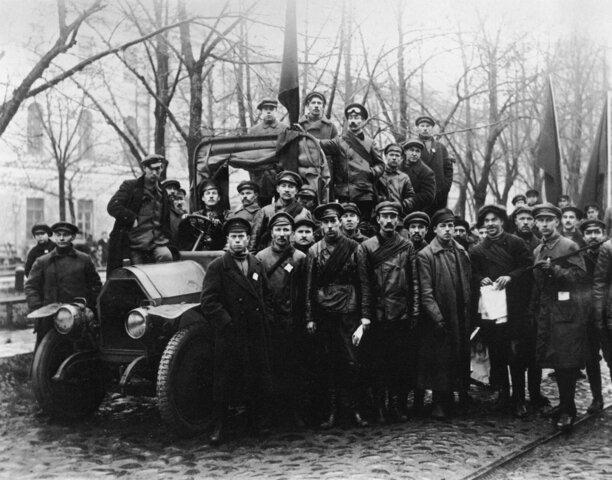 Возвращение в Петроград
