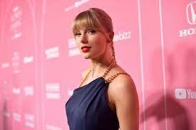 Taylor Swift Becomes Woman of the Decade